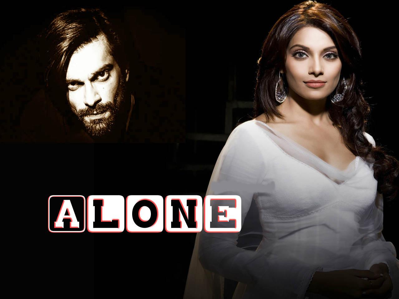 Alone movie that casts Bipasha Basu and Karan Singh
