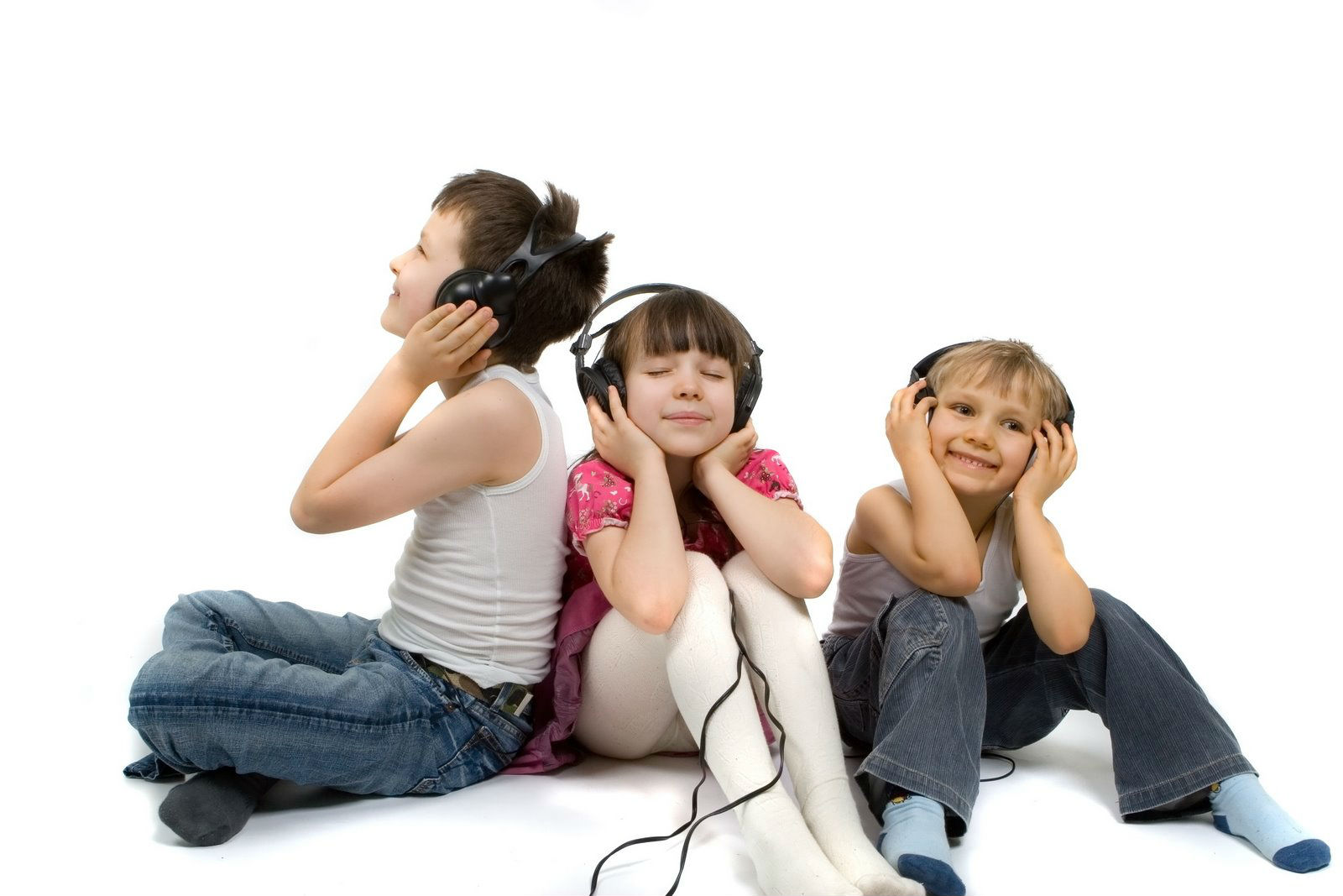 kids-listning-music-tecake