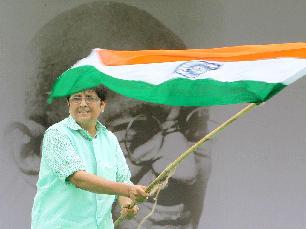 Kiraon Bedi asking to vote for BJP