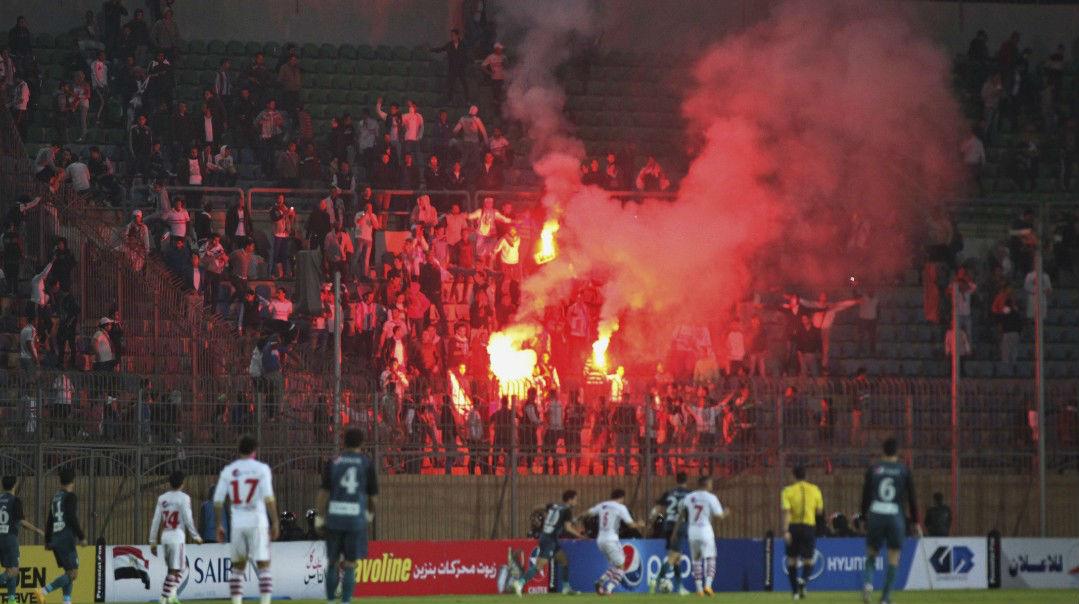 Fans die outside Soccer Stadium in Cairo tecake