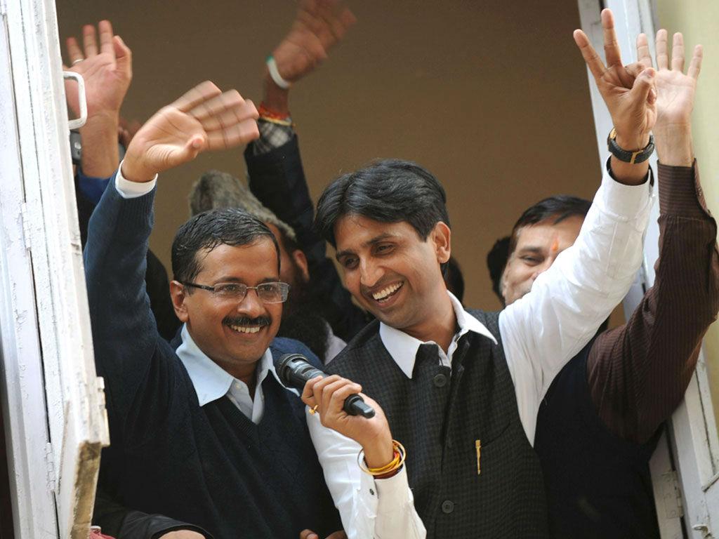 Arvind Kejriwal and Dr Kumar Vishwas after winning Delhi Elections 2015