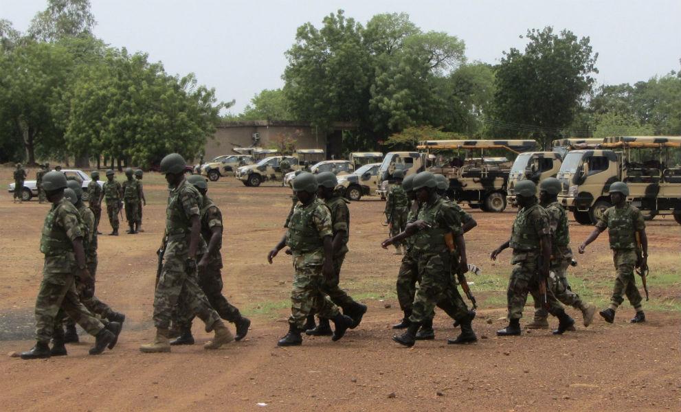 Nigerians fight back to Boko Haram Tecake