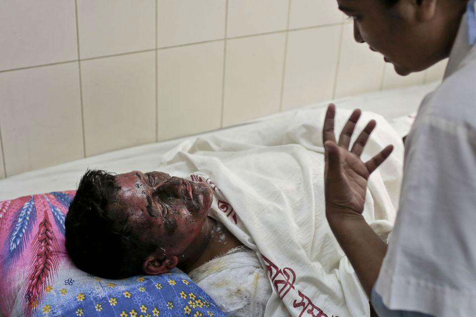 Bus bombing in Bangladesh kills seven people