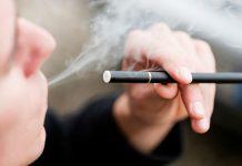 A man smoked an e-cigarette - The TeCake