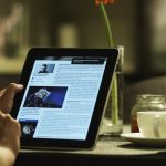 Here's how reading on tablet and laptop can change your thnking
