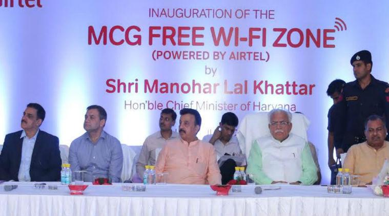 Manohar Lal Khattar inaugurating free Wi-Fi in Gurgaon