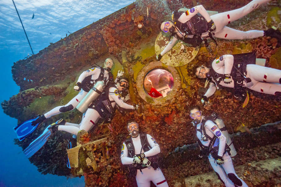 NASA preparing Astronauts for Journey to Mars with 16 day underwater mission NEEMO