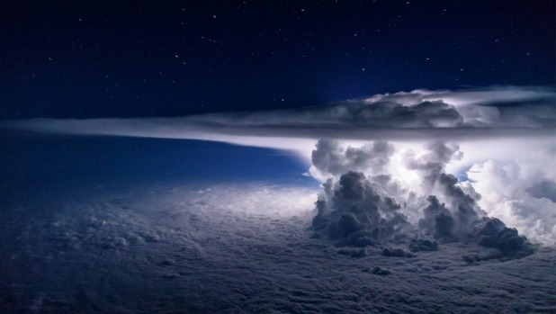 Pilot captures this stunning image of thunderstorm while flying over Pacific Ocean