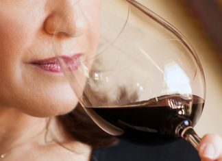 Old Red Wine with Aromatic smell
