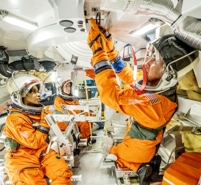 NASA astronauts test Orion Docking Hatch for future Journey to Mars mission