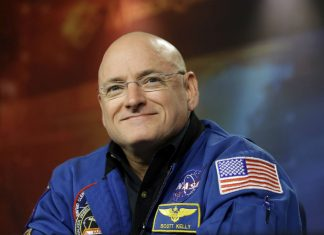 Astronaut Scott Kelly signs movie deal with Sony before releasing his book!