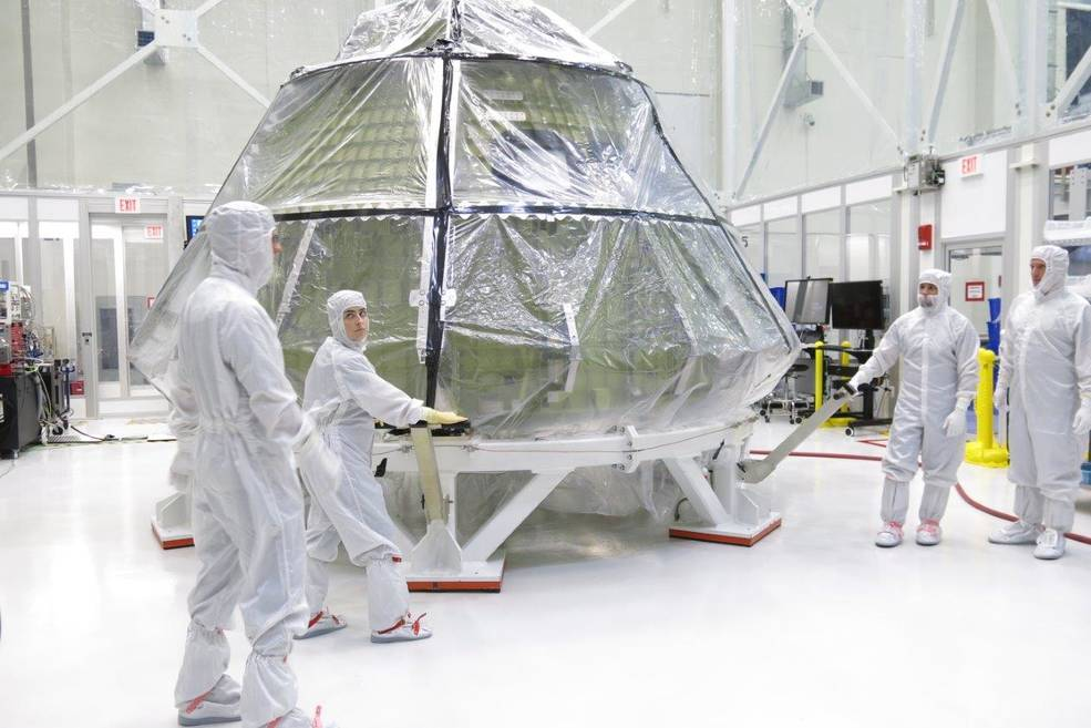 orion_in_clean_room