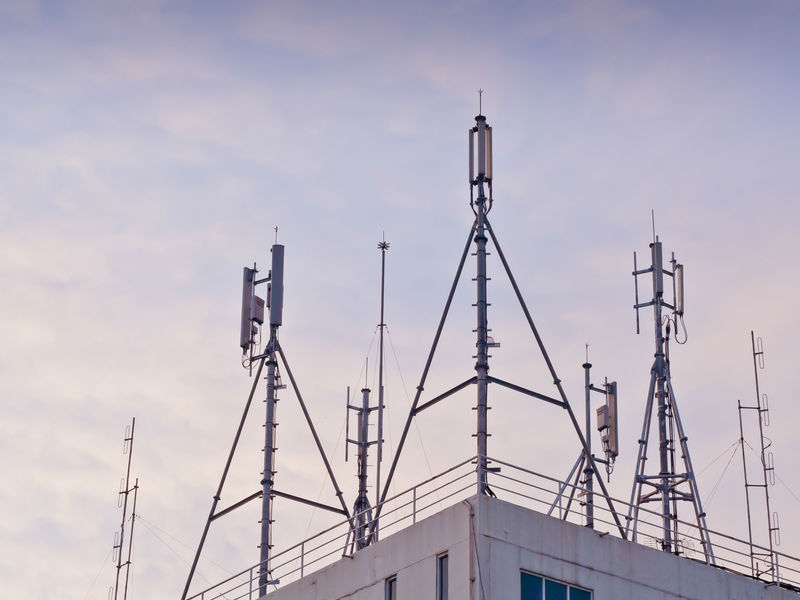 Bidders neglect 700 MHz Spectrum in telecom auction, TRAI to review price