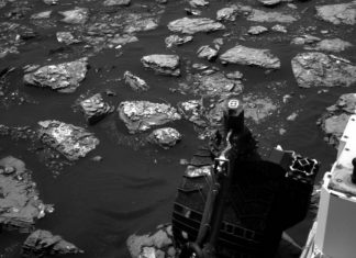 NASA Curiosity rover halts drilling due to malfunctioning; Scientists examining the cause