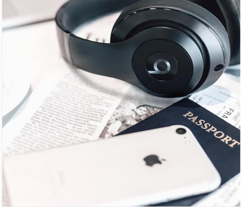 Apple Jet White iPhone