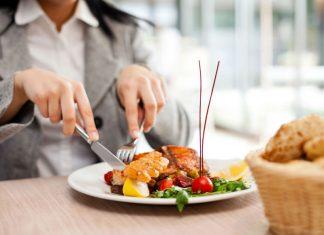 Eating at restuarent put a damper plans to lose weight