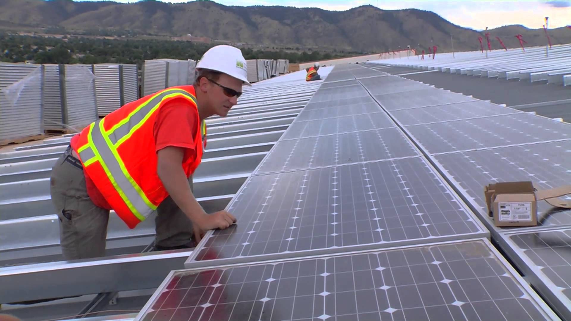 Stanford researchers discover a break-through to create low-cost solar cells